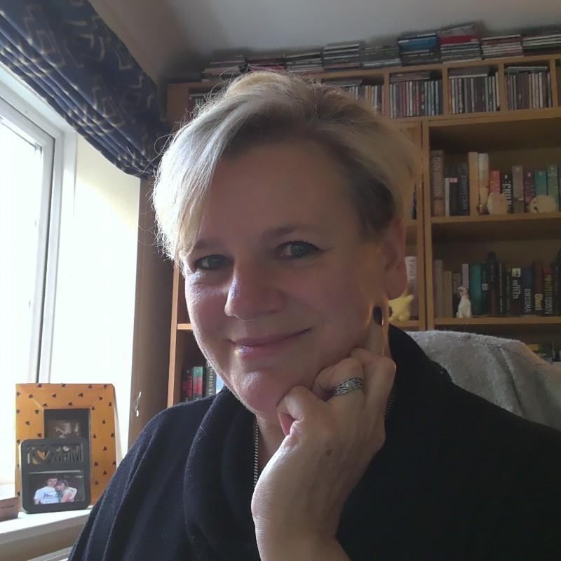 Pay vs Reward, An Interview with Hazel Robinson